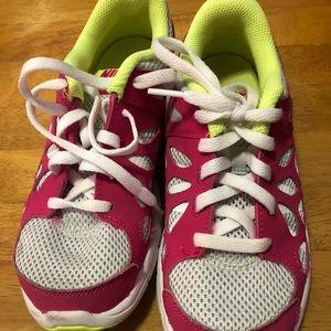 Girls Nike Sneakers Size 7